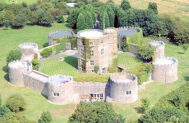 Walton castle marquee wedding venue in Clevedon, South West